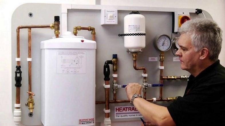 Soci t installation chaudi re uccle 0491 06 04 04 - Chauffe eau en panne ...