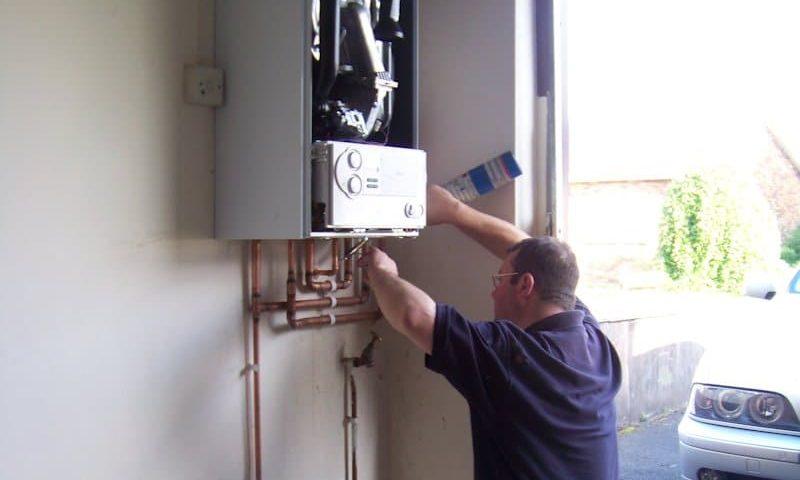 installation chauffe eau Bosch chez vous en 1h